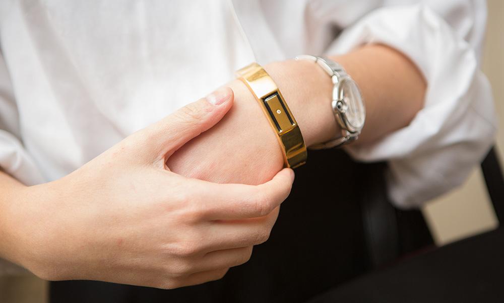 Носимые устройства рано или поздно должны стать модными аксессуарами. (Фото: wisewear.com)