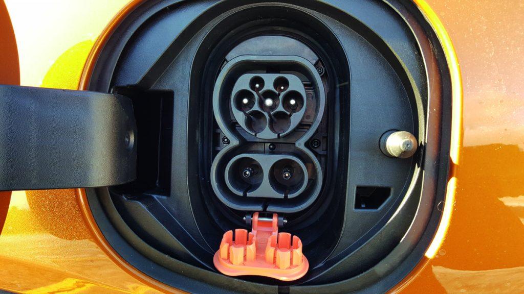 Народный электромобиль: обзор Opel Ampera-E