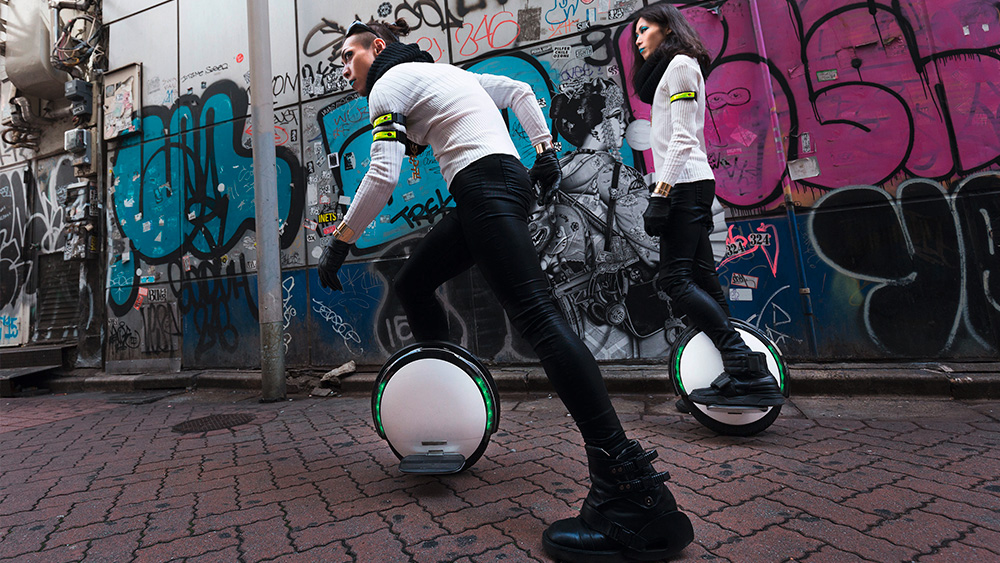 Тоже велосипед: Их все чаще можно увидеть в крупных городах — электрические моноколеса, такие как этот Ninebot.