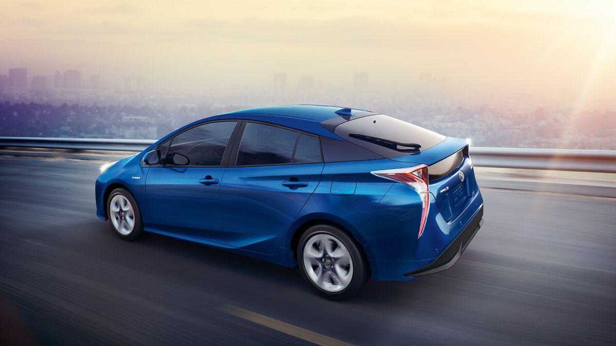 Toyota Prius: низкий уровень расхода топлива при хорошей производительности — прежде всего в городском цикле движения.