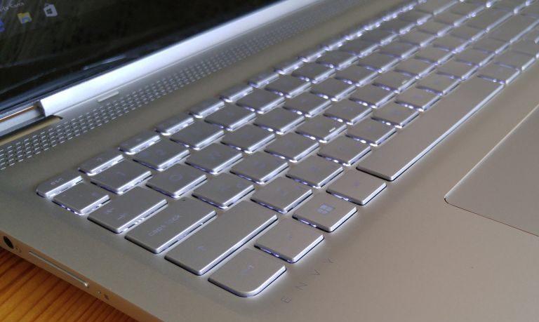 Первый взгляд на тонкий трансформер HP Envy x360 15-aq004ur