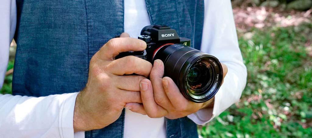 30 лучших зеркальных и беззеркальных фотокамер (с матрицами до APS-C)