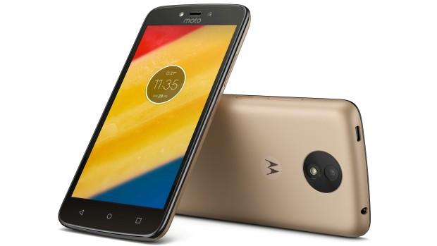 Смартфон с Android 7 всего за 7000 рублей: Moto C — новый потенциальный хит продаж