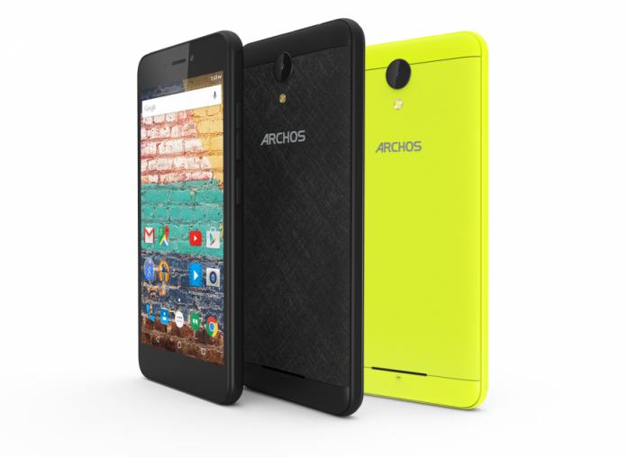 Стартовали российские продажи бюджетного смартфона Archos 50f Neon