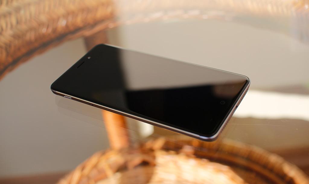 Тест смартфона Neffos X1: достойный аппарат за 11 500 рублей