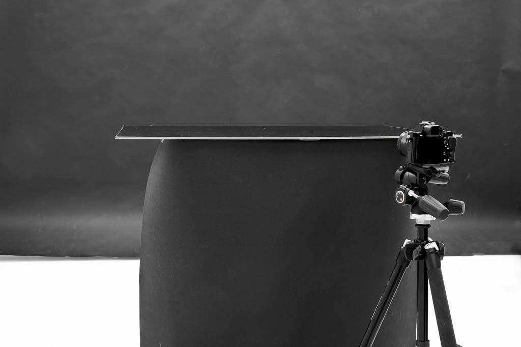Как сделать постановку черно-белых фото
