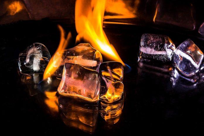Китайцы впервые в истории добыли «горючий лед»