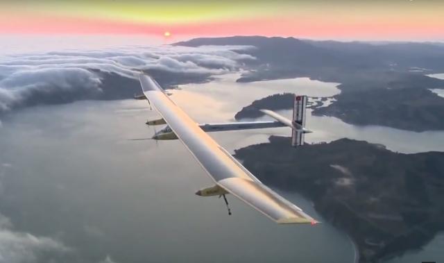 В Швейцарии провели первый тестовый полет самолета на солнечных батареях