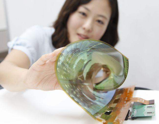 LG Display представила первый в мире гибкий и прозрачный дисплей диагональю 77 дюймов
