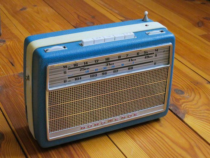 Как сделать медиацентр из старого радио