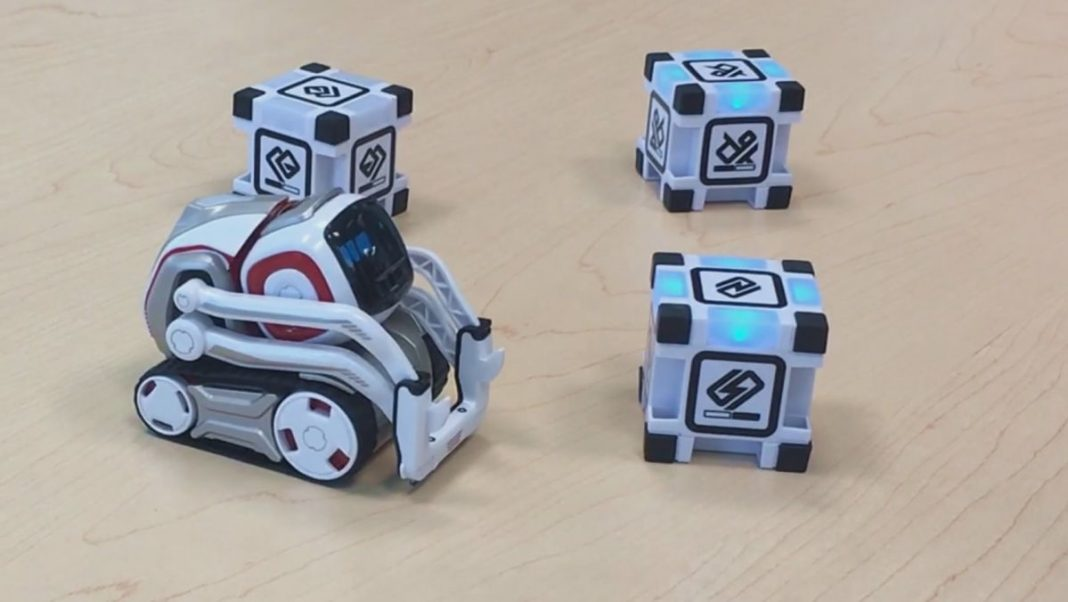 Первый взгляд на игрушечного робота Anki Cozmo: самое лучшее домашнее животное?