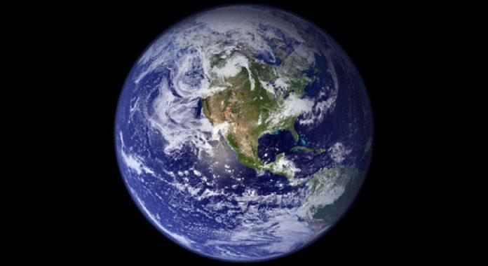 Стивен Хокинг призывает человечество бежать с Земли в ближайшие 30-50 лет