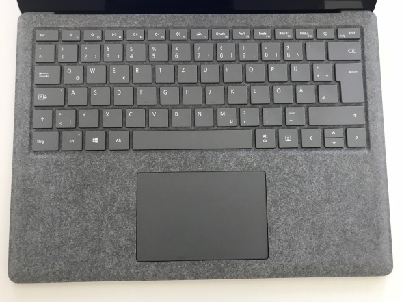 Обзор ноутбука Microsoft Surface Laptop с Windows 10 S