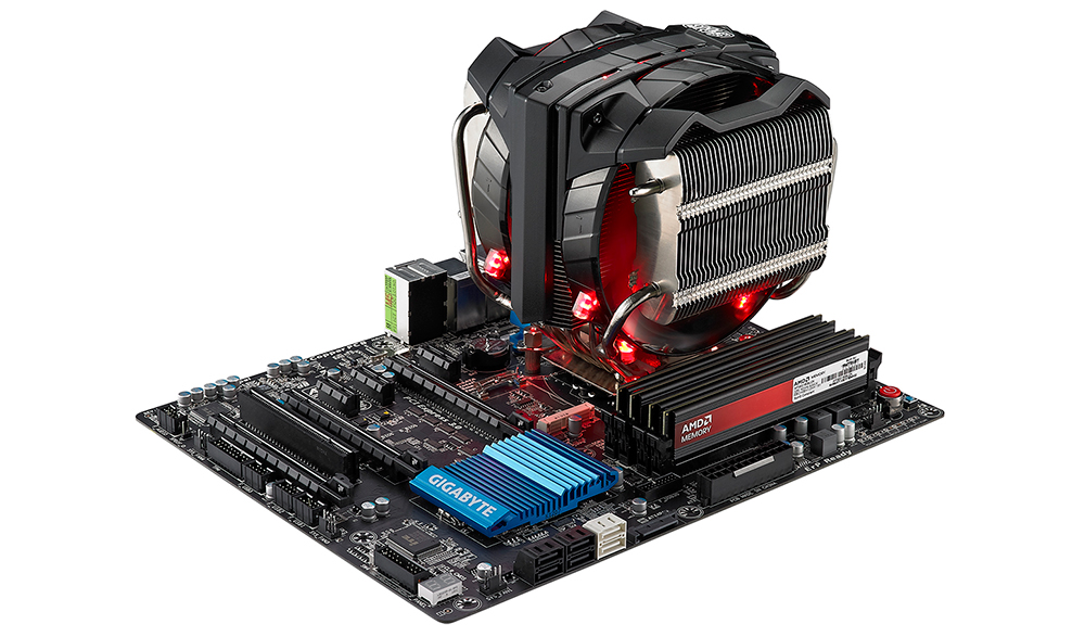 CoolerMaster V8: кулер для CPU может быть поистине огромным.