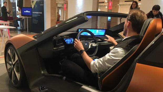 BMW i8 Roadster выйдет в 2018 году: первый тизер воодушевляет