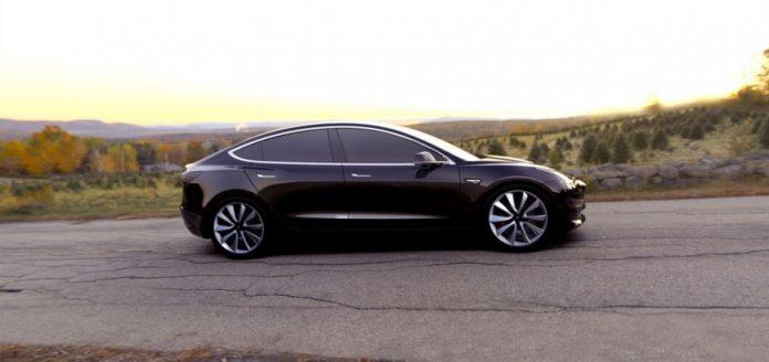 Серийное производство Tesla Model 3 стартует 7 июля