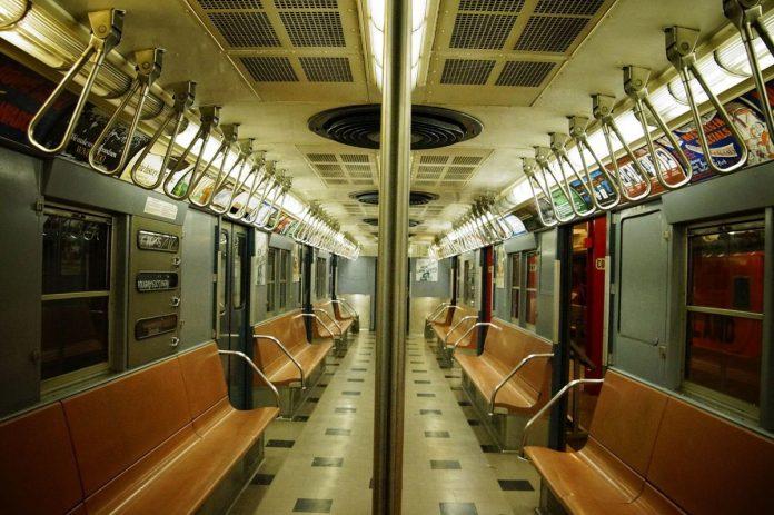 На фиолетовой ветке метро Санкт-Петербурга заработал бесплатный Wi-Fi