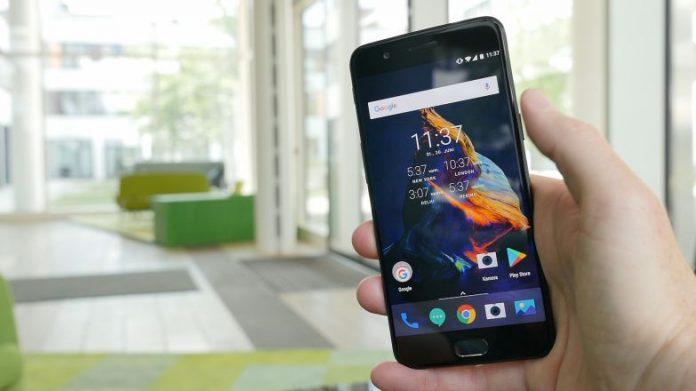 Как вставить SIM-карту в OnePlus 5
