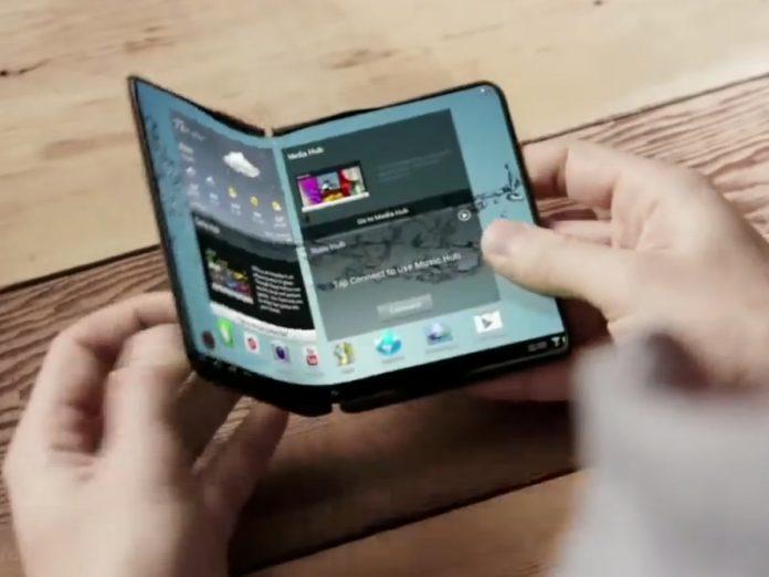 Сгибающийся смартфон Samsung Galaxy Note появится уже в 2018-м
