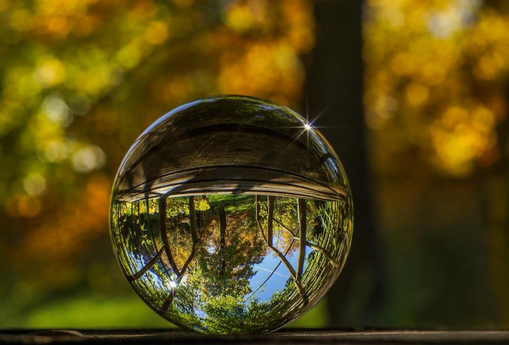 Как фотографировать через стеклянный шар