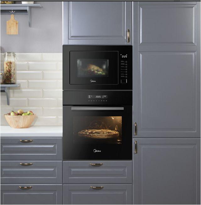 Компания Midea представила инновационный духовой шкаф с восемью комбинациями нагрева