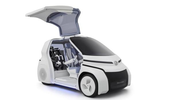В духе Smart и Segway: новые электромобили от Toyota
