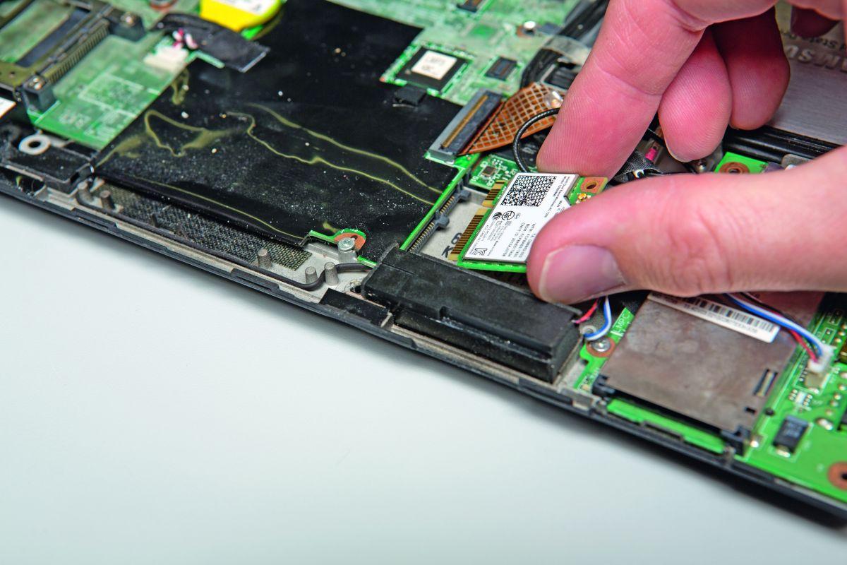 Умельцы могут оснастить совместимые ноутбуки «ac»-картами Inter Wireless-AC 7260