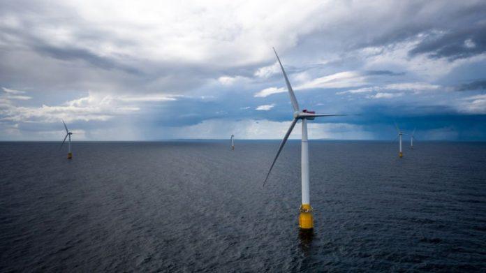 Запущена первая в мире плавучая ветряная электростанция