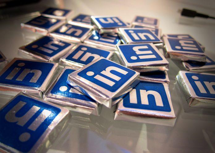 Несмотря на блокировку, LinkedIn до сих пор пользуются свыше 1,4 млн россиян