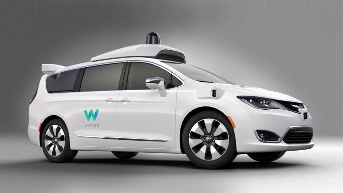 Впервые в истории машина с автопилотом Waymo протестирована без страхующего водителя