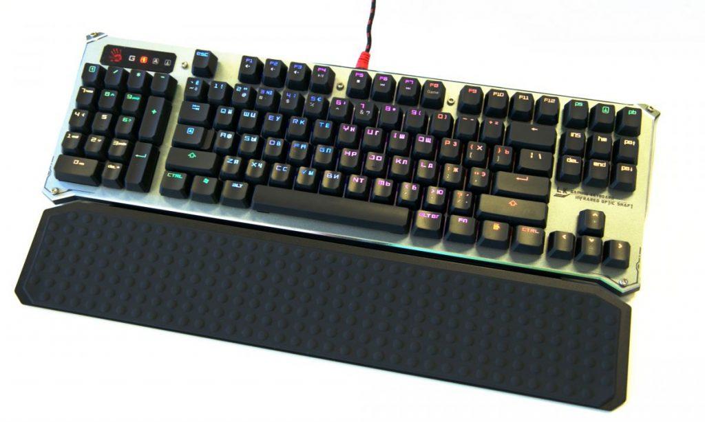 Обзор игровой клавиатуры Bloody B845R