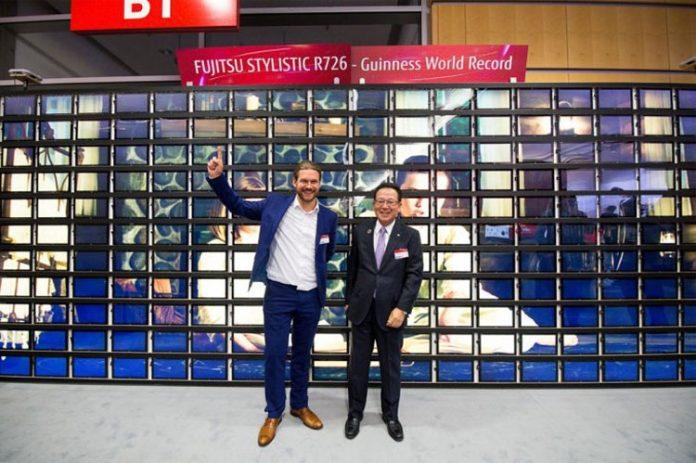 Fujitsu создала панно из 220 планшетов, попавшее в Книгу рекордов Гиннесса
