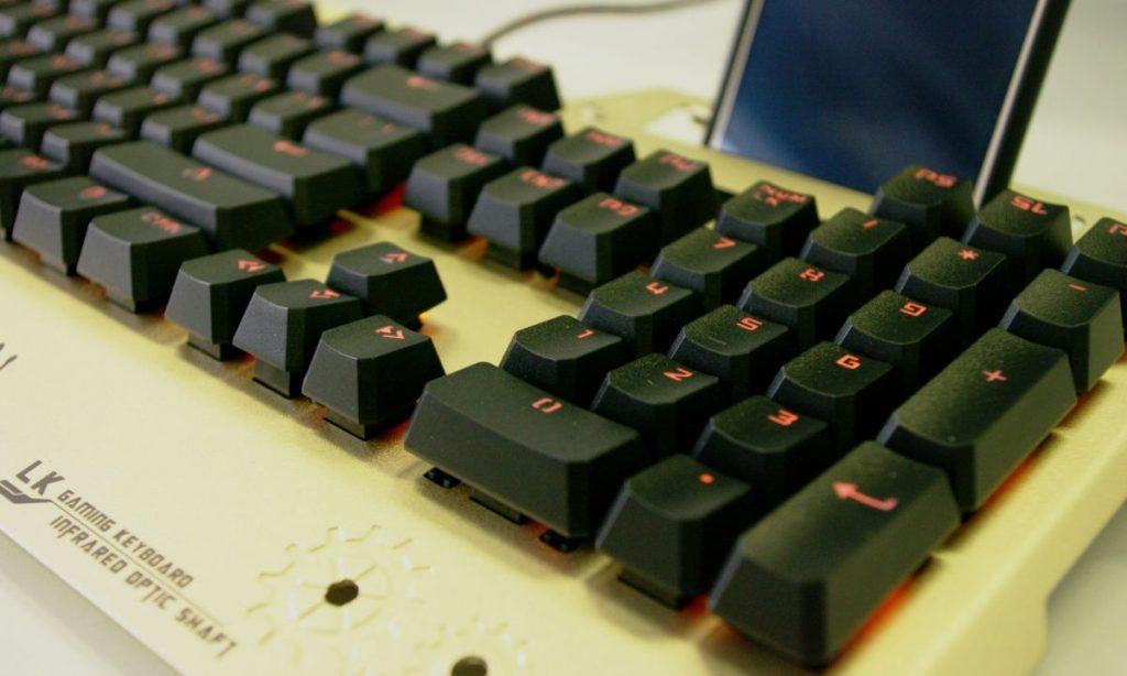 Обзор игровой клавиатуры Bloody B860
