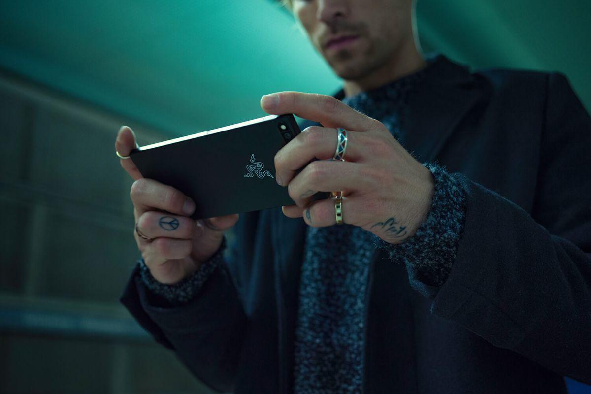 Первый игровой смартфон Razer Phone: первый взгляд