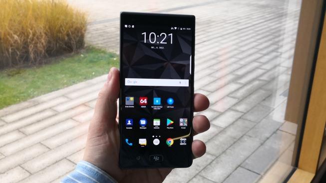 Тест и обзор смартфона Blackberry Motion
