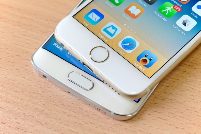 Россияне жалуются на iPhone в 3 раза чаще, чем на смартфоны Samsung