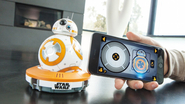 Роботы, графические карты и многое другое: обзор гаджетов тематики Star Wars