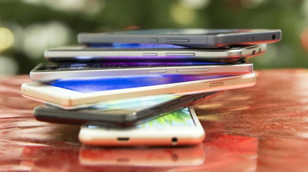 Тест шести бюджетных смартфонов от 5000 до 8000 рублей
