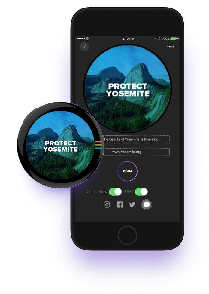 BEAM — умный значок с AMOLED-экраном и функцией «SOS»