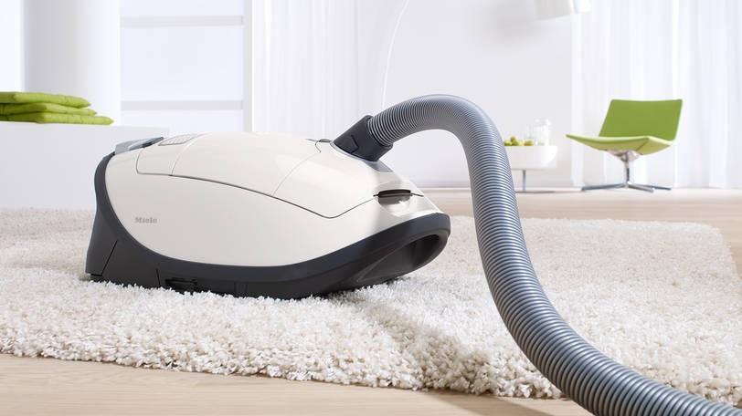 Тест пылесоса Miele Complete C3 Allergy (SGJP3): помощник в уборке