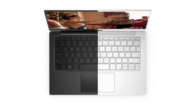 Клавиатура Dell XPS 13 имеет белую подсветку и при первых же прикосновениях радует приятной обратной связью