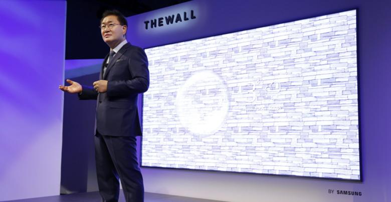 «The Wall» поместится не на каждую стену!
