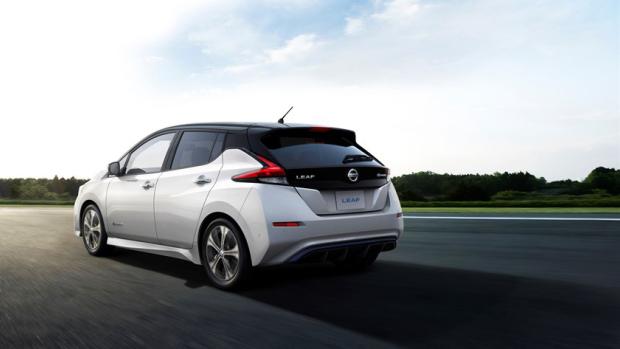 Электрокар Nissan Leaf: скромный вызов Tesla?