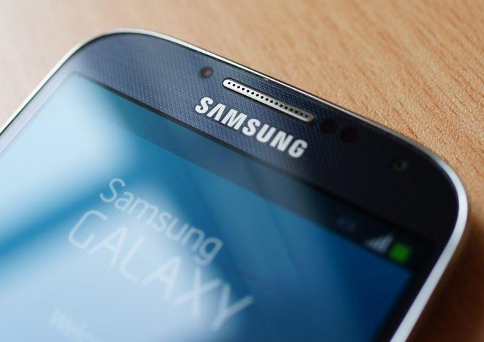 Samsung стоит почти в 3 раза дешевле Apple