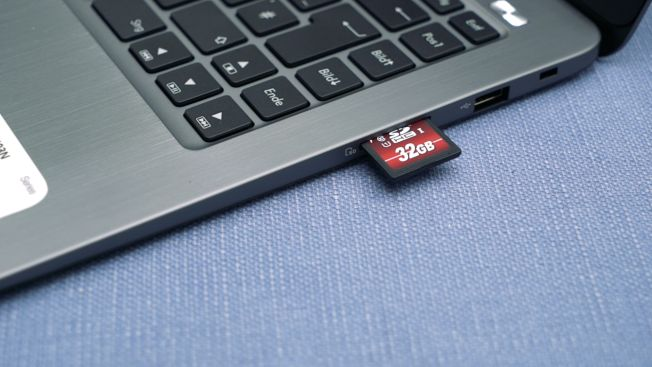Asus Vivobook E14 L403NA