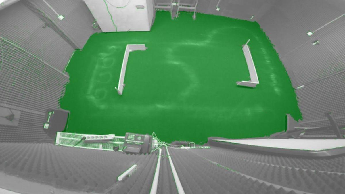 Немного удивительно лазерная навигация и управляемые гусеницы обеспечивают полное покрытие площади помещения (обозначено зеленым цветом).Chip.de