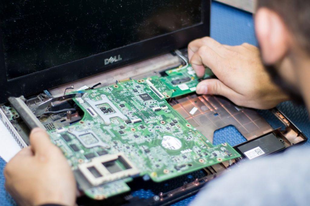 Пошаговая инструкция Chip на случай, если залил ноутбук