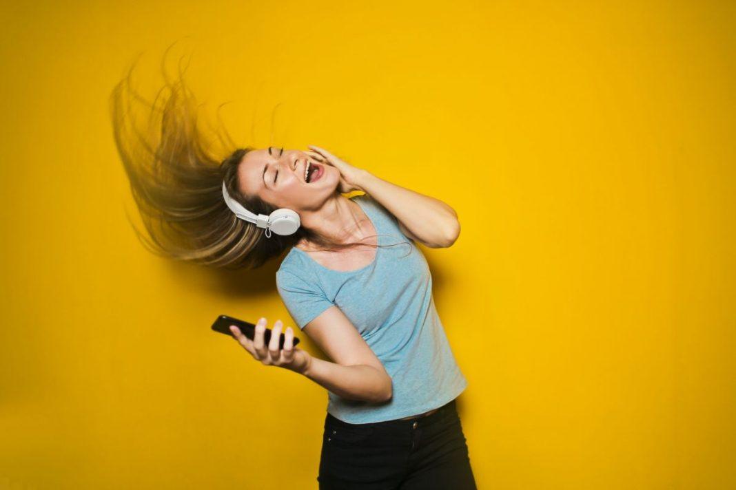 Как найти любимую музыку в Сети: лучшие сервисы и приложения