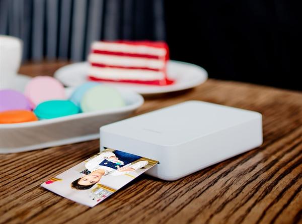 Мини-принтер от Xiaomi печатает фотографии, «оживающие» на экране смартфона