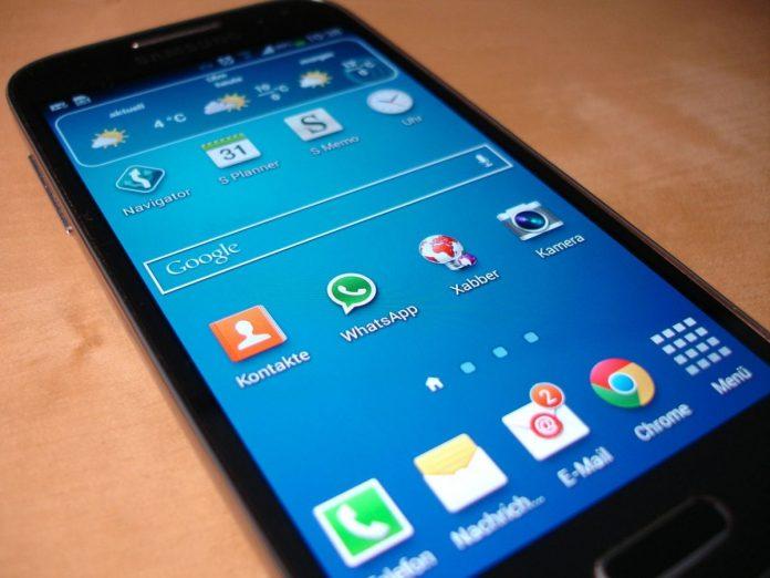 Названы самые популярные в мире размеры смартфонов